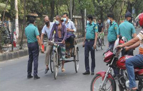 কঠোরভাবেই 'লকডাউন' পালিত হচ্ছে ঢাকায়