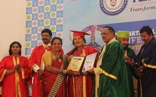 সম্মানসূচক ডক্টরেট ডিগ্রি প্রসঙ্গে শিল্পী মমতাজ,'সমালোচনা তো মানুষ করবেই '